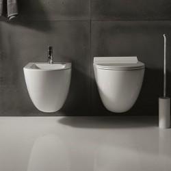 Igienici vaso e bidet con coprivaso